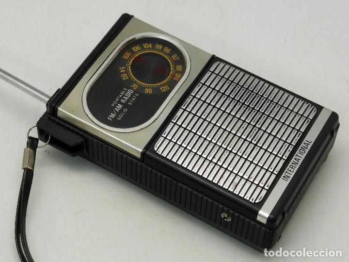 Radios antiguas: Transistor International radio AM FM años 70 no funciona - Foto 4 - 76003935