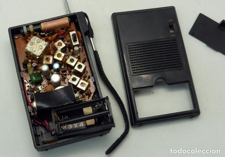 Radios antiguas: Transistor radio AM FM Made in Japan años 70 no funciona - Foto 6 - 76004095
