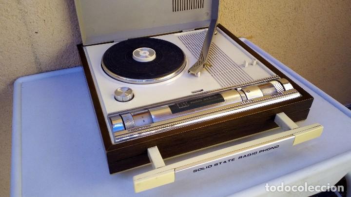 TOCADISCOS TAKT RADIO PHONO CON RADIO NO FUNCIONA (Radios, Gramófonos, Grabadoras y Otros - Transistores, Pick-ups y Otros)