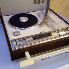 Radios antiguas: TOCADISCOS TAKT RADIO PHONO CON RADIO NO FUNCIONA. Lote 79171541