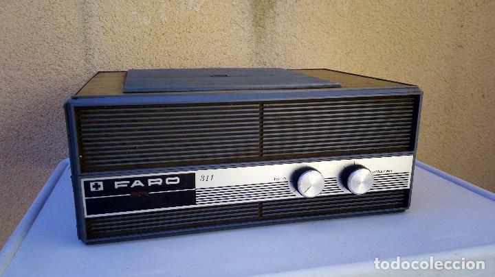 Radios antiguas: TOCADISCOS FARO 311 FUNCIONA PERO SE ESCUCHA UN POCO BAJÓ Y GIRA UNA PIZCA LENTO - Foto 2 - 79172849