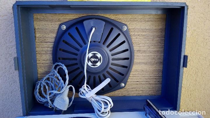 Radios antiguas: TOCADISCOS FARO 311 FUNCIONA PERO SE ESCUCHA UN POCO BAJÓ Y GIRA UNA PIZCA LENTO - Foto 4 - 79172849