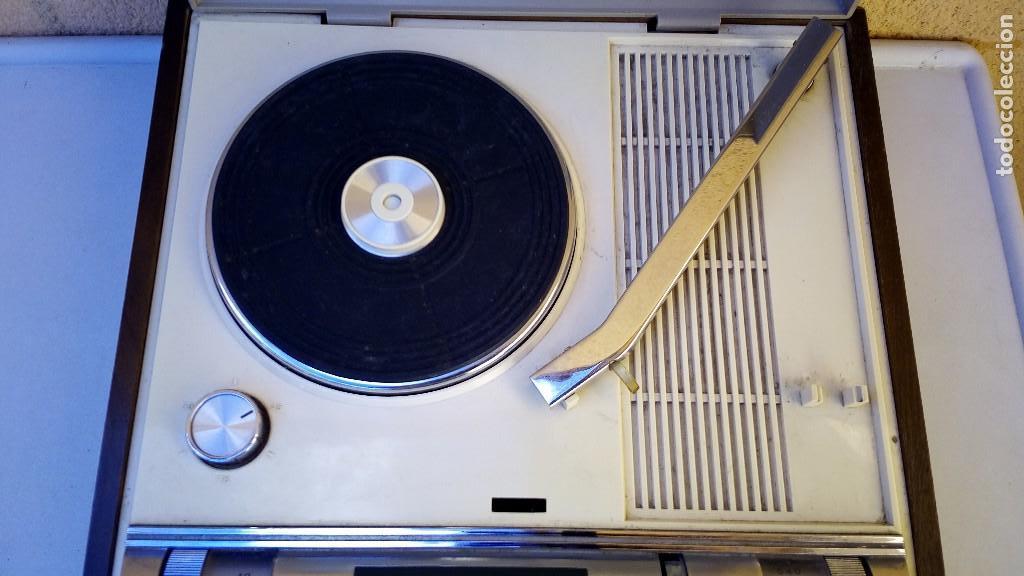 Radios antiguas: TOCADISCOS TAKT RADIO PHONO CON RADIO NO FUNCIONA - Foto 9 - 79171541