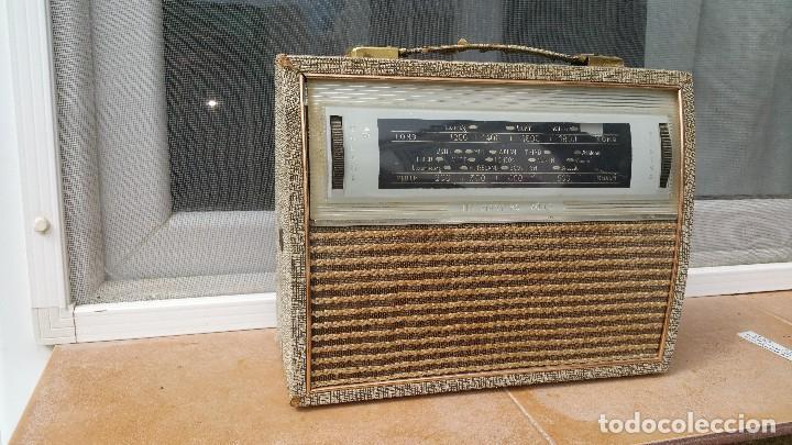 RADIO PORTATIL HMV (Radios, Gramófonos, Grabadoras y Otros - Transistores, Pick-ups y Otros)