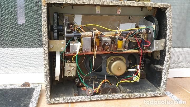 Radios antiguas: Radio portatil HMV - Foto 2 - 79943873