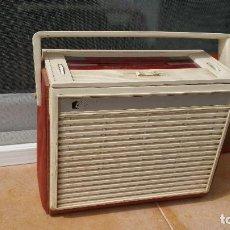 Radios antiguas: RADIO PORTATIL HUGHES. Lote 79943917
