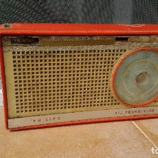 Radios antiguas: RADIO PORTATIL PHILIPS. Lote 79944129