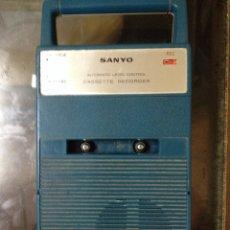 Radios antiguas: CASETTE SANYO MODEL M-148 FUNCIONA PERFECTAMENTE. Lote 84265335