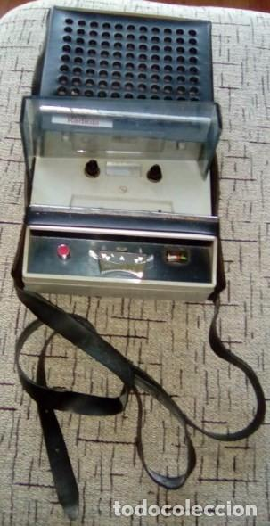 Radios antiguas: CASSETTE REPRODUCTOR RADIOLA-Vintage-Años 70 - Foto 3 - 84528940