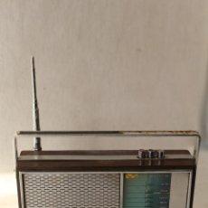Radios antiguas: RADIO TRANSISTOR VANGUARD RADIO WOODLINE VANGUARD JET. Lote 84673820
