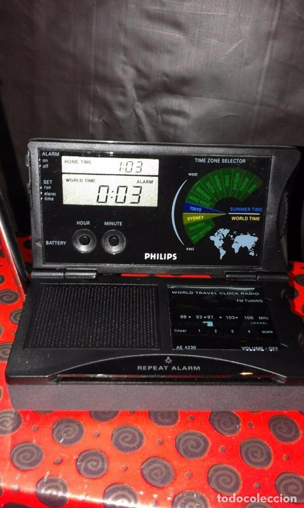 Radios antiguas: RADIO RELOJ PHILIPS AE 4230 AÑO 85 ¡¡ NUEVO !! VINTAGE !!!!!! - Foto 2 - 130521044