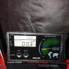 Radios antiguas: RADIO RELOJ PHILIPS AE 4230 AÑO 85 ¡¡ NUEVO !! VINTAGE !!!!!!. Lote 130521044