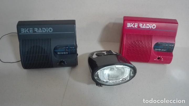LOTE DE TRES RADIOS DE BICICLETA (Radios, Gramófonos, Grabadoras y Otros - Transistores, Pick-ups y Otros)