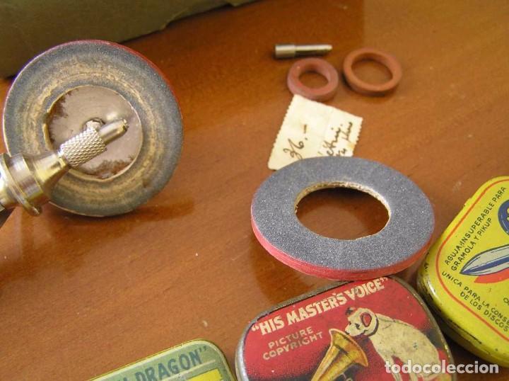 Radios antiguas: ANTIGUO AFILADOR DE AGUJAS DE GRAMOFONO GRAMOLA Y CUATRO CAJA CON AGUJAS GRAMOPHONE NEEDLE SHARPENER - Foto 7 - 87421028