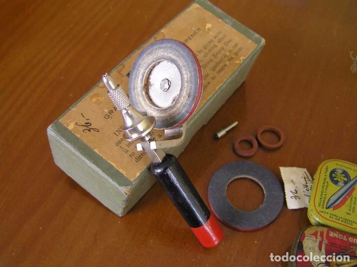 Radios antiguas: ANTIGUO AFILADOR DE AGUJAS DE GRAMOFONO GRAMOLA Y CUATRO CAJA CON AGUJAS GRAMOPHONE NEEDLE SHARPENER - Foto 24 - 87421028