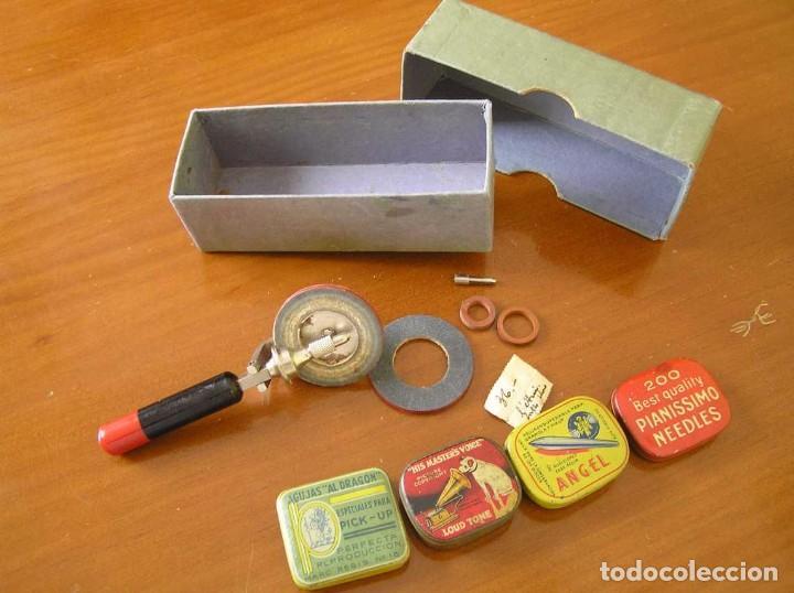 Radios antiguas: ANTIGUO AFILADOR DE AGUJAS DE GRAMOFONO GRAMOLA Y CUATRO CAJA CON AGUJAS GRAMOPHONE NEEDLE SHARPENER - Foto 26 - 87421028