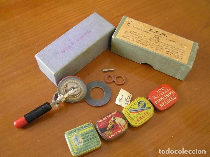 Radios antiguas: ANTIGUO AFILADOR DE AGUJAS DE GRAMOFONO GRAMOLA Y CUATRO CAJA CON AGUJAS GRAMOPHONE NEEDLE SHARPENER - Foto 29 - 87421028