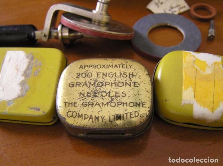 Radios antiguas: ANTIGUO AFILADOR DE AGUJAS DE GRAMOFONO GRAMOLA Y CUATRO CAJA CON AGUJAS GRAMOPHONE NEEDLE SHARPENER - Foto 43 - 87421028
