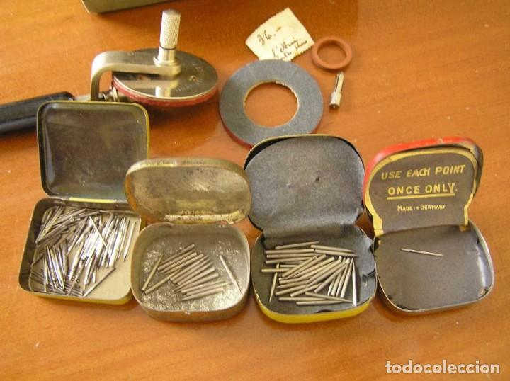 Radios antiguas: ANTIGUO AFILADOR DE AGUJAS DE GRAMOFONO GRAMOLA Y CUATRO CAJA CON AGUJAS GRAMOPHONE NEEDLE SHARPENER - Foto 47 - 87421028