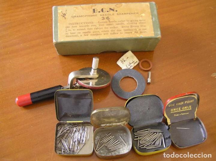 Radios antiguas: ANTIGUO AFILADOR DE AGUJAS DE GRAMOFONO GRAMOLA Y CUATRO CAJA CON AGUJAS GRAMOPHONE NEEDLE SHARPENER - Foto 52 - 87421028