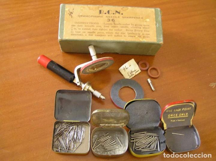 Radios antiguas: ANTIGUO AFILADOR DE AGUJAS DE GRAMOFONO GRAMOLA Y CUATRO CAJA CON AGUJAS GRAMOPHONE NEEDLE SHARPENER - Foto 54 - 87421028