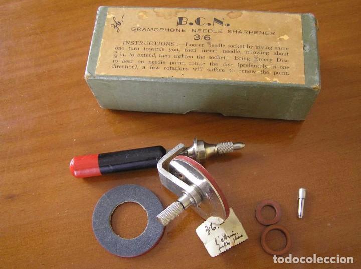 Radios antiguas: ANTIGUO AFILADOR DE AGUJAS DE GRAMOFONO GRAMOLA Y CUATRO CAJA CON AGUJAS GRAMOPHONE NEEDLE SHARPENER - Foto 94 - 87421028