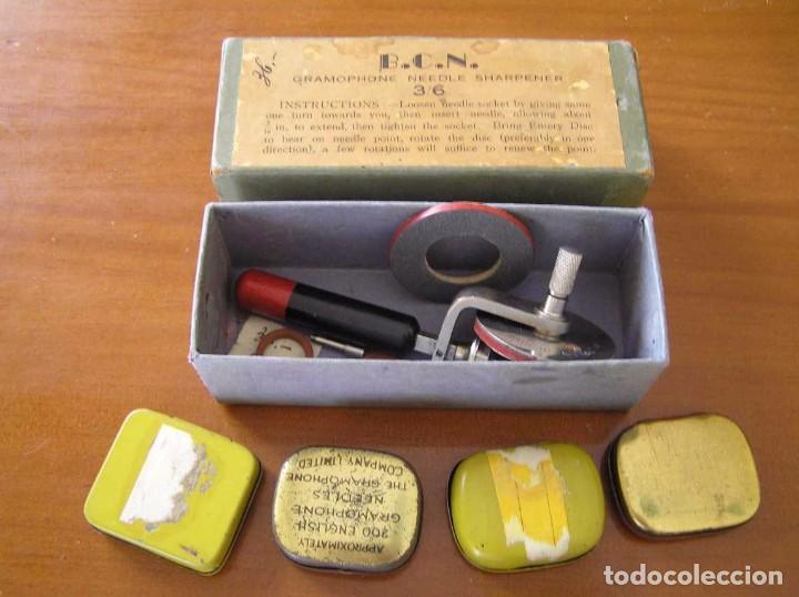 Radios antiguas: ANTIGUO AFILADOR DE AGUJAS DE GRAMOFONO GRAMOLA Y CUATRO CAJA CON AGUJAS GRAMOPHONE NEEDLE SHARPENER - Foto 109 - 87421028