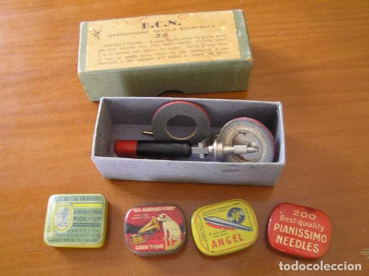Radios antiguas: ANTIGUO AFILADOR DE AGUJAS DE GRAMOFONO GRAMOLA Y CUATRO CAJA CON AGUJAS GRAMOPHONE NEEDLE SHARPENER - Foto 111 - 87421028