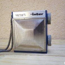 Radios antiguas: RADIO TRANSISTOR INTER WARNER'S FUNCIONANDO FALTA TAPA PILAS Y PESTAÑA CONTACTO PILA SUPERIOR. Lote 90222940