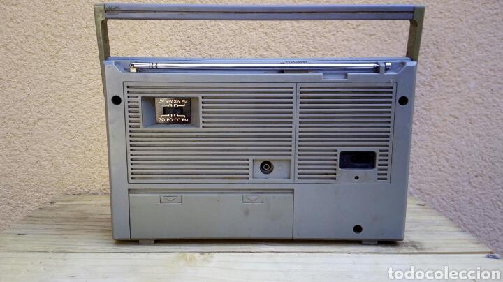 Radios antiguas: RADIO TRANSISTOR PHILIPS D2214 FUNCIONANDO - Foto 3 - 91509534