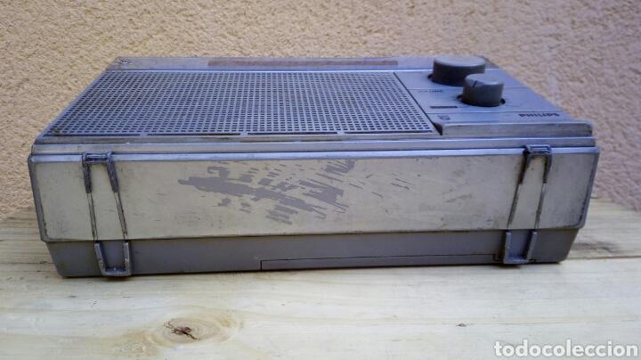 Radios antiguas: RADIO TRANSISTOR PHILIPS D2214 FUNCIONANDO - Foto 8 - 91509534