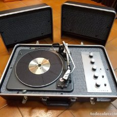 Radios antiguas: THE FISHER MODEL 50-B.SUITCASE RECORD PLAYER. AÑOS 60. MALETA TOCADISCOS . GARRARD. Lote 94128220