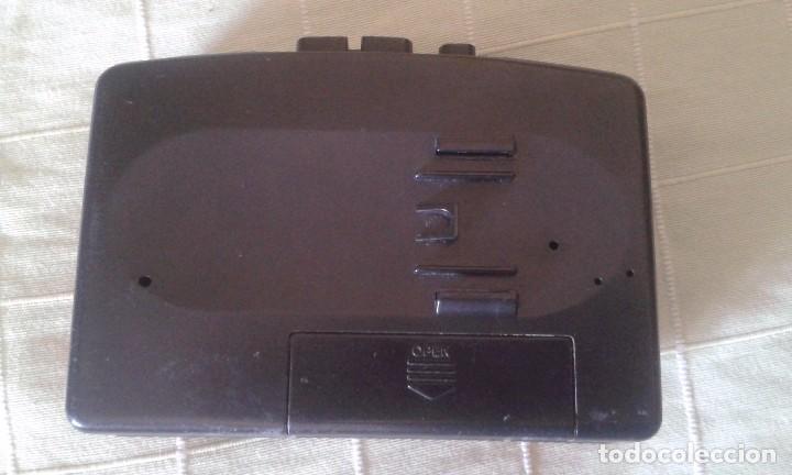 Radios antiguas: Walkman Sony años 80. Necesita reparación. - Foto 2 - 94515346