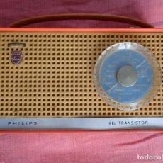 Radios antiguas: BONITO Y ANTIGUO TRANSISTOR RADIO DE PHILIPS VINTAGE --- ALL TRANSISTOR. Lote 95331799
