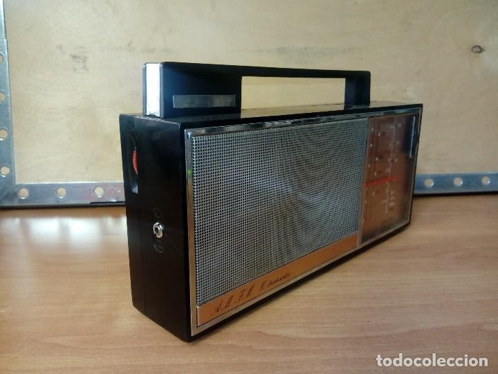 Radios antiguas: Radio transistor philips 30 rl 633 - Foto 4 - 95394311
