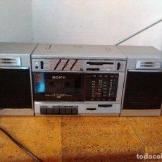 Radios antiguas: RADIO CASSETTE SONY CON ECUALIZADOR. Lote 96505479