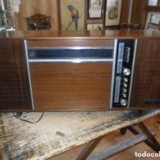 Radios antiguas: RADIO TOCADISCOS - GENERAL ELECTRICA ESPAÑOLA - ANTIGUO. Lote 97526535