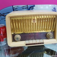 Radios antiguas: RADIO PHILIPS DE 1956. Lote 97917171