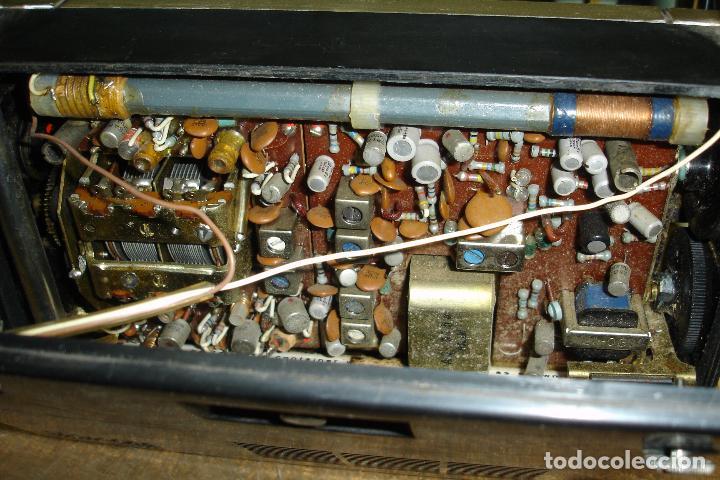 Radios antiguas: RADIO A TRANSISTORES MARCA REALTONE AM/FM/SW - 14 TRANSISTORES - MADE IN JAPAN AÑOS 60 - FUNCIONA - Foto 7 - 36599205