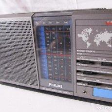 Radios antiguas: TRANSISTOR RADIO PHILIPS D-2225 - EXCELENTE ESTADO - 5 BANDAS - FUNCIONANDO. Lote 98642055