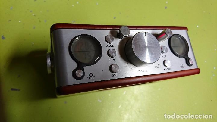 Radios antiguas: RADIO TRANSISTOR, CON RELOJ, TERMÓMETRO, FECHA... - Foto 2 - 98718271