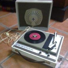 Radios antiguas: TOCADISCOS FARO 320. Lote 99377995