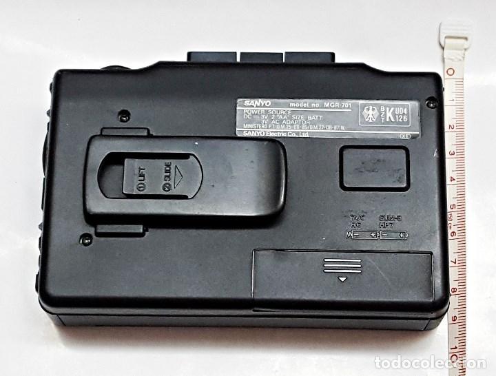 Radios antiguas: Walkman Sanyo Radio-casete MGR-701 - Foto 2 - 100093163