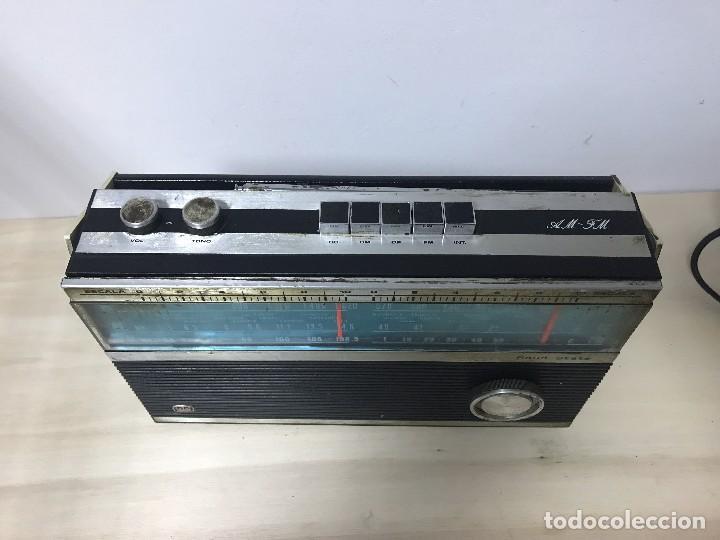 Radios antiguas: ANTIGUA RADIO TRANSISTOR FM-AM - Foto 2 - 102357791