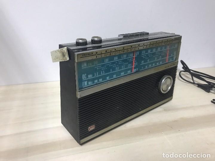 Radios antiguas: ANTIGUA RADIO TRANSISTOR FM-AM - Foto 3 - 102357791
