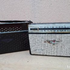 Radios antiguas: RADIO TRANSISTOR SHARP 8 TRANSISTOR NO FUNCIONA PORTA PILAS ROTO. Lote 102746723