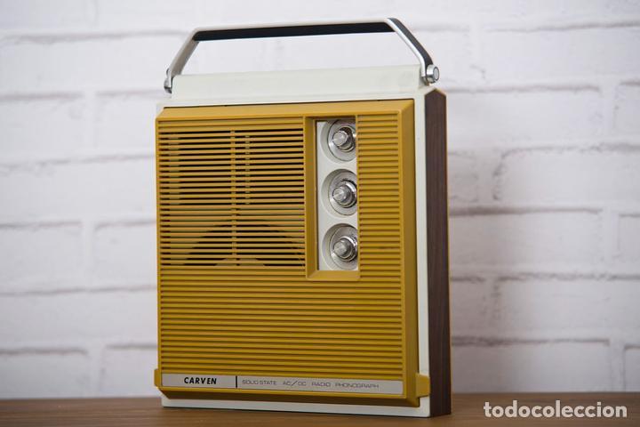RADIO TOCADISCOS CARVEN COLOR MOSTAZA (Radios, Gramófonos, Grabadoras y Otros - Transistores, Pick-ups y Otros)