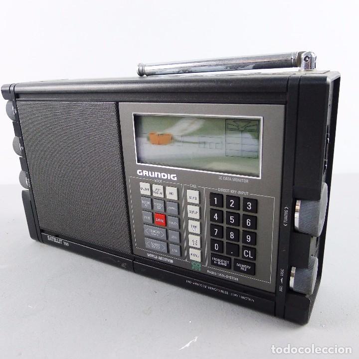 RADIO WORLD RECEIVER PORTÁTIL MARINE GRUNDIG SATELIT 700 CON SU MANUALES (Radios, Gramófonos, Grabadoras y Otros - Transistores, Pick-ups y Otros)