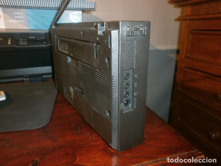 Radios antiguas: Sony ICF-2001 FM/AM Radio Receptor Mundial sintetizado FUNCIONANDO - Foto 5 - 103149531