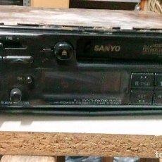 Radios antiguas: RADIO DE COCHE, DE LA MARCA SANYO,DE LOS AÑOS 80, NO SE HA PROBADO. Lote 103885387